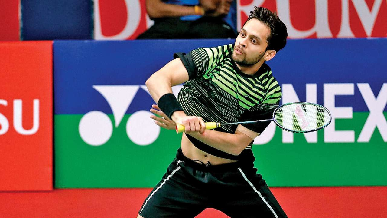 Parupalli Kashyap returning a shot on court