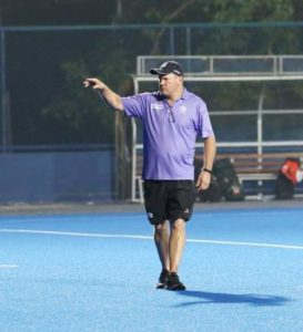 indian-hockey-chief-coach-graham-reid-pointing-to-a-player-in-practice-camp