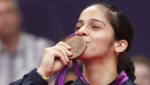 saina-nehwal-kissing-her-olympic-bronze-medal