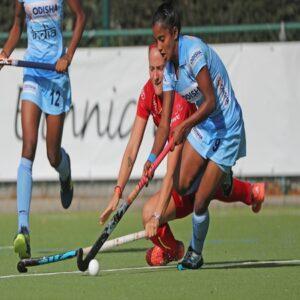 Indian-womens-hockey-striker-Mumtaz-Khan-in-action