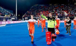 dutch-goalkeeper-Pirmin-Blaak-acknowledging-crowd-after-match