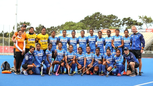 indian-womens-hockey-team-group-photo