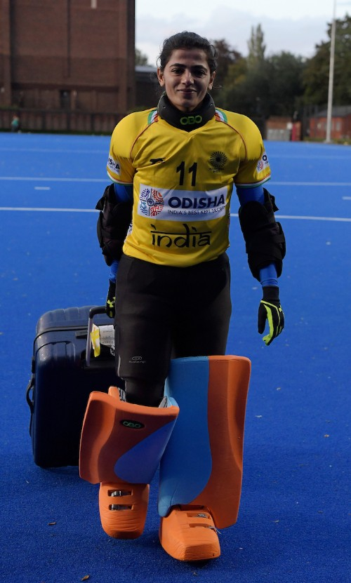 indian-womens-hockey-team-goalkeeper-savita-arriving-for-practice-with-kit