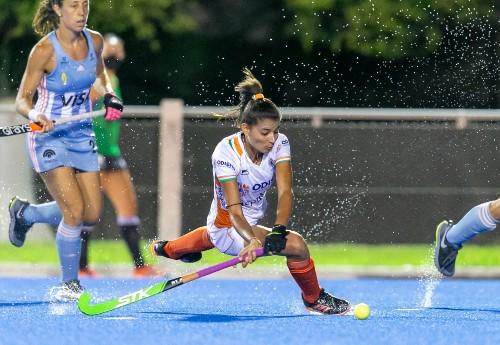 india-women-hockey-player-Sharmila-in-action