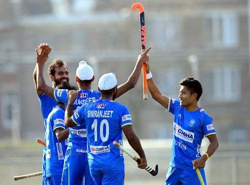 India-celebrate-Mandeeps-goal